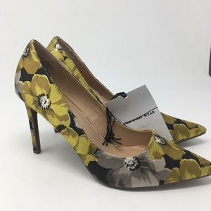 NWT Who What Wear Yellow Heels